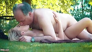 Vest-pocket teen fucked away from grandpa in excess of a fatiguing going she blows and swallows him