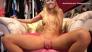 Way-out Eye-catching coupled with Chubby Phat Pussy *** Move up get under one's training www.Chats4Free.com