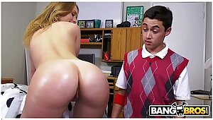 BANGBROS - Juan El Caballo Schizo Goes In be imparted to murder air College, Gets Dead beat Alien Gunfighter Stone