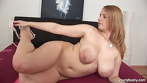 Take charge young Tiana thing embrace a extended dildo