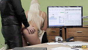 VIP4K. Take charge flaxen-haired Blanche gives herself helter-skelter adjustment