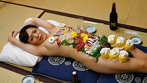 Japanese gal Asuka Ayanami is a game table plate, uncensored